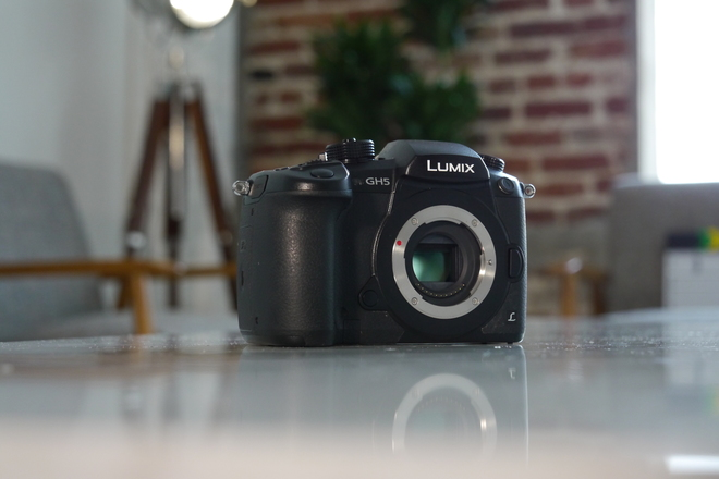 Panasonic Lumix DC-GH5 Digital 4K Camera