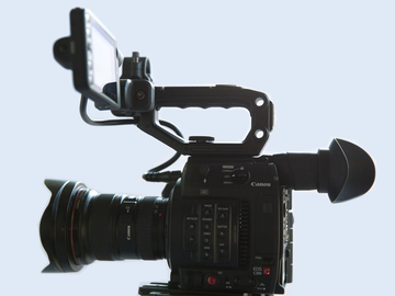 Rent: Canon C200 with Ronin