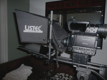 Rent: Listec Teleprompter (iPad included with rental)