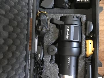 Profoto B1 Strobe kit 2 units + Air Remotes + Batteries
