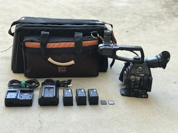 Canon C100 Mark II (body only), 3x Batteries, 2x 128GB cards