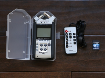 Zoom H4n Pro 4-Channel Recorder w/ 32GB Card (Kit 1)