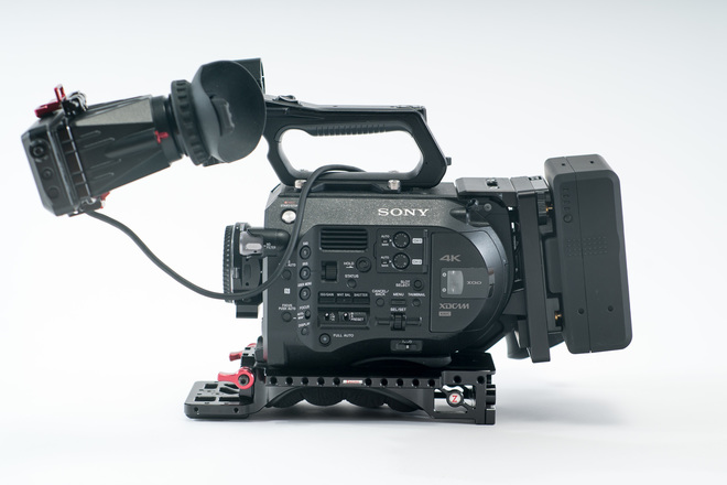 Sony FS7 w/ Zacuto VCT, EVF, Gold Mount Batteries and Media