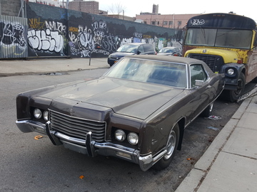 Rent: 1971 Lincoln Continental
