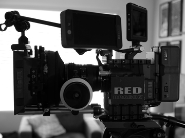 Rent: RED Dragon Package (w/Tripod, Mattebox, FF, Monitor)