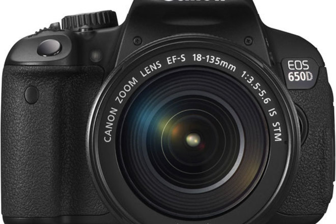Cannon T4i + 18-135mm f/3.5-5.6 IS STM Lens + Extras!