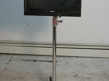 """Rent: Flanders Scientific 21.5"""" AM210 LCD client monitor"""