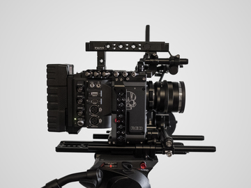 Rent: RED Scarlet-W Dragon 5K COMPLETE KIT | Duclos ZEISS ZE