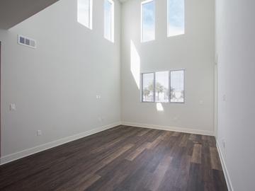 Rent:  Spacious Modern 3 Bedroom 3 Bath w/ Deck&Balcony+Equipment