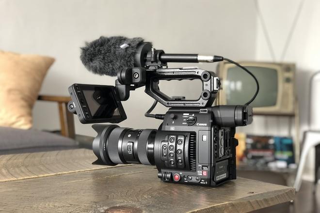 Rent a Canon EOS C200 Cinema Camera + Lens + Shotgun Mic, Best Prices |  ShareGrid Los Angeles