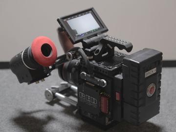 Rent: RED Helium 8K S35 + Tripod + Lenses + Display + Power Custom