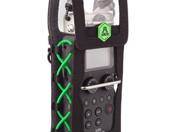 Rent: Zoom H5 Recorder, Windscreen, Belt Pouch, Headphones