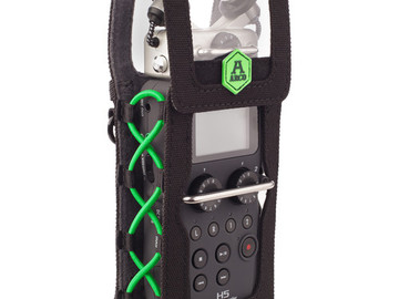 Rent: Zoom H5 Recorder, Windscreen, Belt Pouch, Headphones