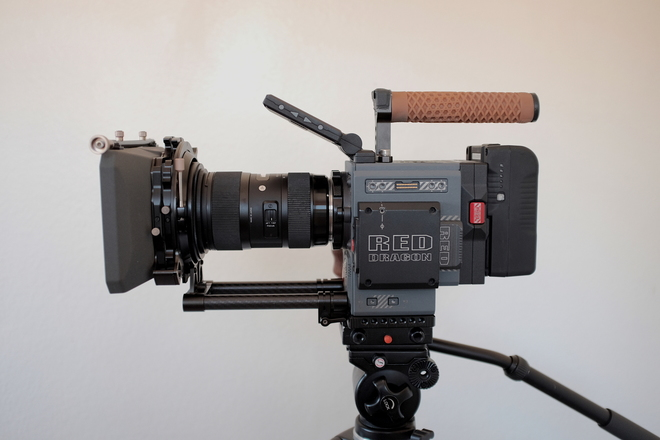 Scarlet-W 5K FULL KIT, Sigma Lens, EF/PL, 512GB, Mattebox