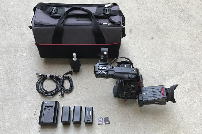 Canon C100 w Dual Pixel AF, Zacuto Viewfinder,  3x Batteries