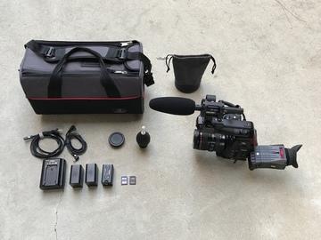 Rent: Canon C100 w Dual Pixel AF, 24-105mm f/4L IS USM Lens, & Mic