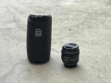 Rent: Canon EF 35mm f/2 IS USM Lens
