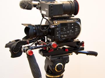Sony FS7 - Complete Basic Pacakge + Lens, Tripod, Mics