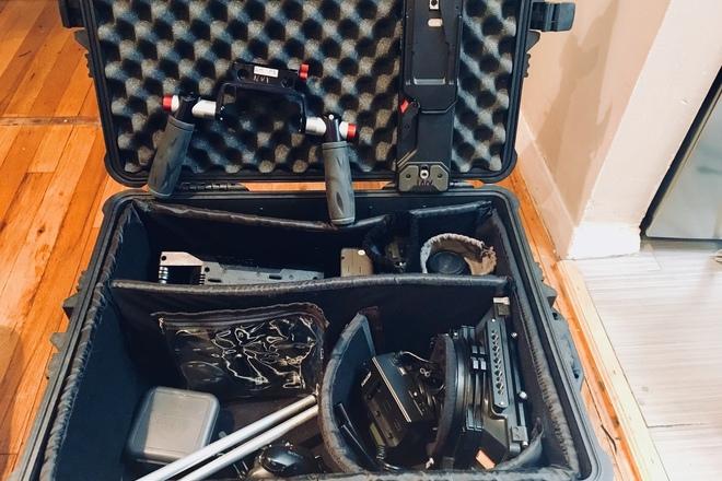 SONY FS7+ mattebox, lens mount, handheld, batts, media