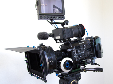 Rent: Sony PXW-FS7 Super 35 Camera - Cinema Package