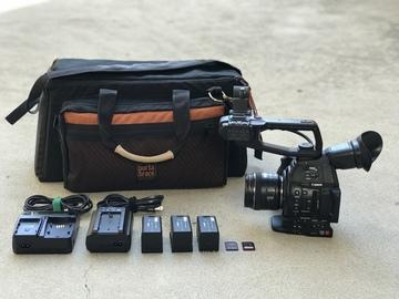 Rent: Canon C100 Mark II w/ EF 16-35mm f/2.8L II , 3x Batteries