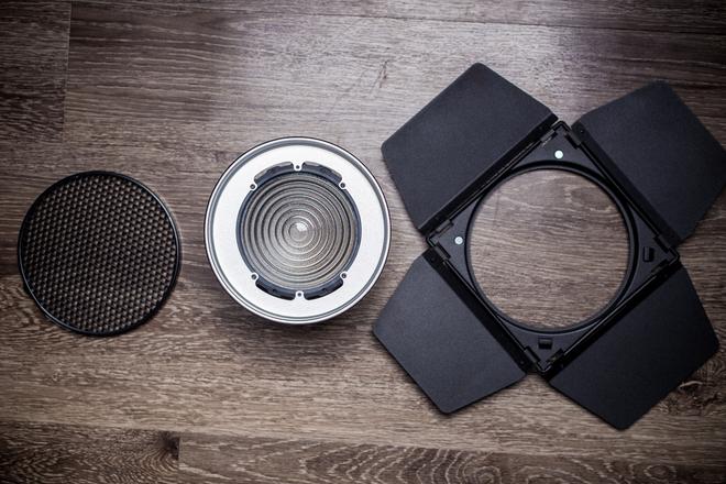 Aputure Fresnel Lens for 120D, 120T, 300D, all Bowens Mounts