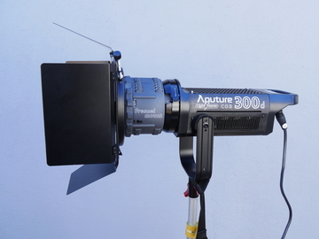 Rent: Aputure Light Storm C300D LED Fresnel Kit (300D) 1 of 3