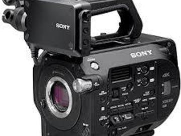 SONY FS7 Camera Body, cards and batteries