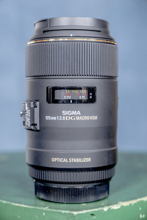 Sigma 105mm f2.8 DG Macro Lens w/ IS (EF Mount)