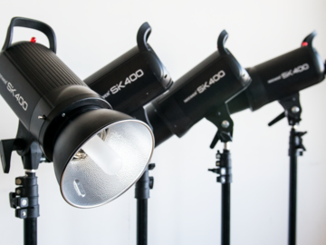 Rent: 4 Neewer 400W 5600K Bowens Mount Flash Strobe Kit