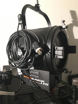 Mole-Richardson 400W Studio Junior LED - Tungsten