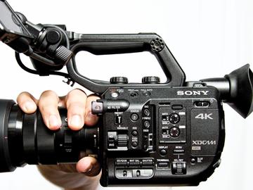 Rent: Sony FS5 EF-Mount Package