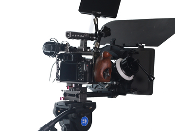 Rent: Sony A7sII Cinema Package (Cage, Canon 24-70 , Monitor, Trip
