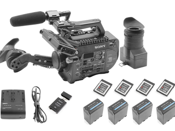 Sony PXW-FS7 Canon EF or PL, Mic (4) 128GB Cards (4) Battery