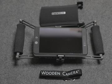 Rent: SmallHD 702 Bright + Power +Wooden Camera Cage