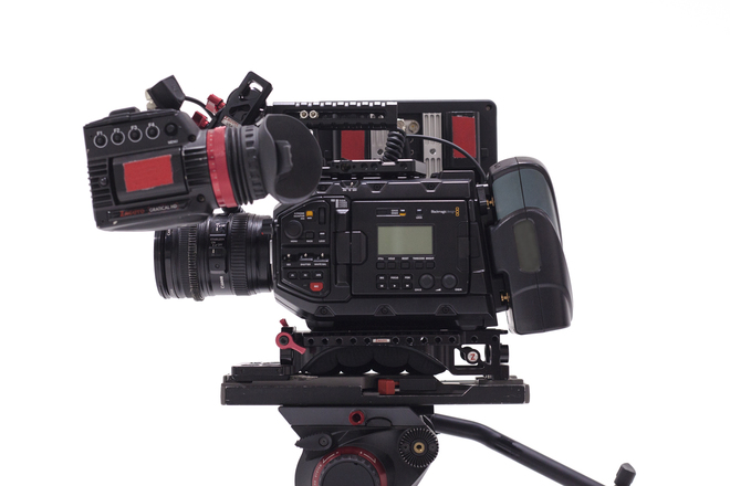 Blackmagic URSA Mini Pro Kit - EF MOUNT