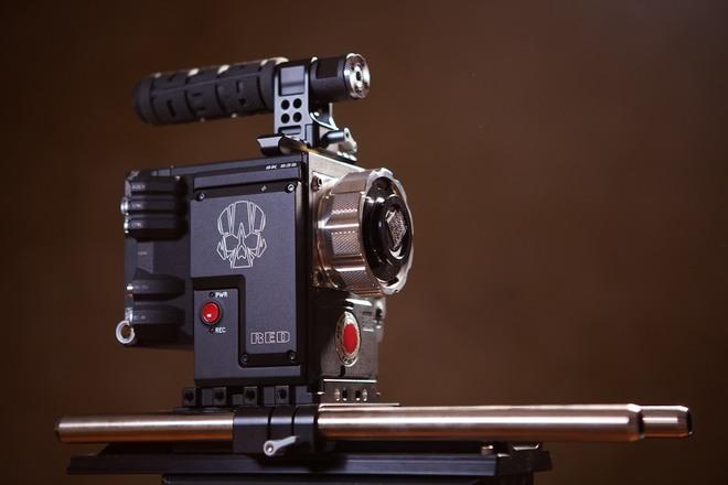 RED Helium 8K + 3 Cooke Lenses + Batteries, Matte Box, FF