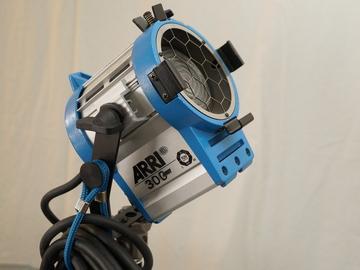 Rent: Arri 300 Watt Plus Tungsten Fresnel Light
