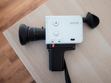 Rent: Nizo s56 Super 8mm • 24fps, slow motion + more