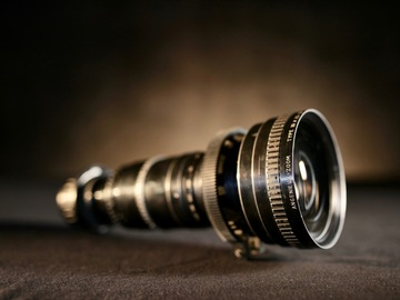 Rent: Angenieux 25-250mm T3.9 (PL)