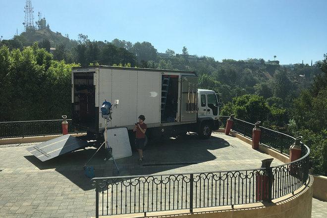 4Ton GnE Truck w/ 6' lift gate