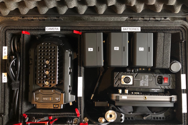 Blackmagic URSA Mini Pro Kit 1 PL/EF Body with Monitor