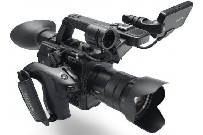 Sony FS5 Package - Camera/Lens/Cards