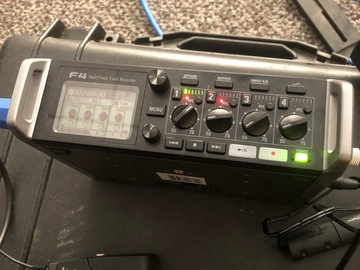 Zoom ZOOM F4n 4 channel mixer