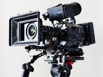 Rent: Sony FS7 M2 Basic Package w/ Fujinon 18-55 T2.9