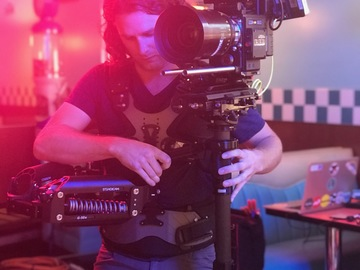 Rent: Steadicam Shadow V with Operator