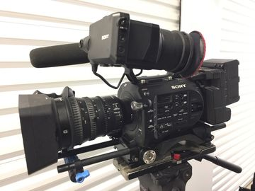 Sony PXW-FS7 XDCAM Super 35 Camera with 18mm-110mm Zoom Lens