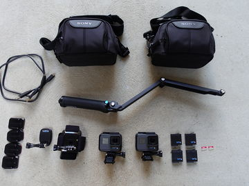 Rent: 2x GoPro HERO6 Black, 4 Batteries, 2 64GB Cards, Accessories
