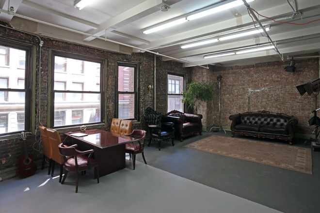Photo & Video Studio, New York Charm and Feel