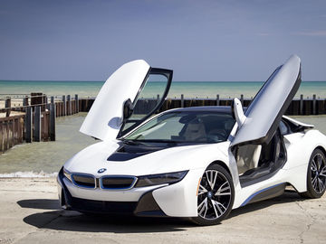 Rent: BMW i8 with Driver